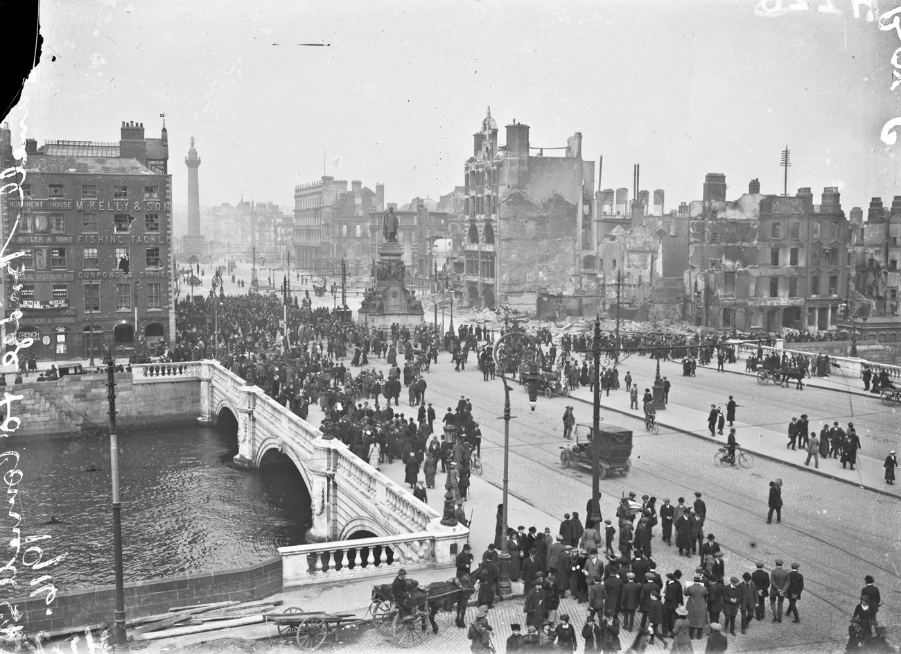 Object: O'Connell Bridge and Street, 1916