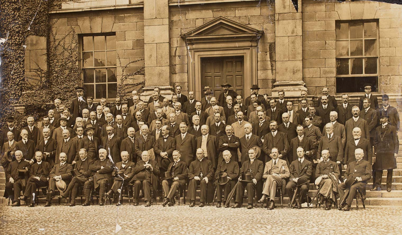 Photograph of Irish Convention opens in Dublin