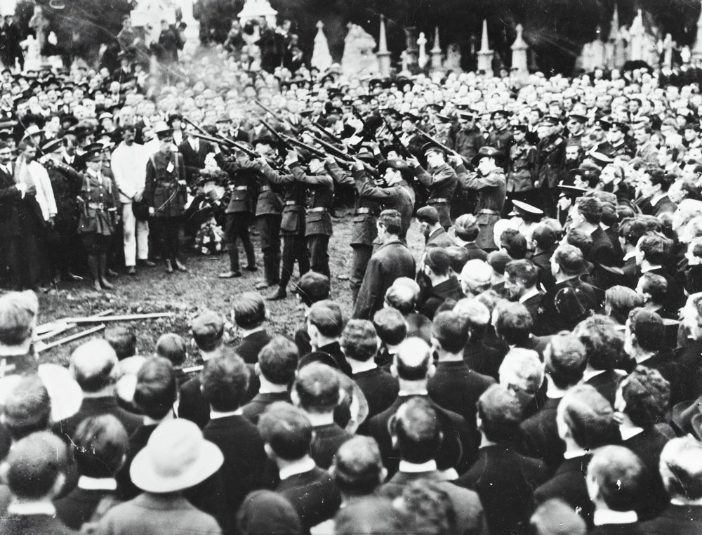Photograph of Huge crowds attend funeral of Thomas Ashe