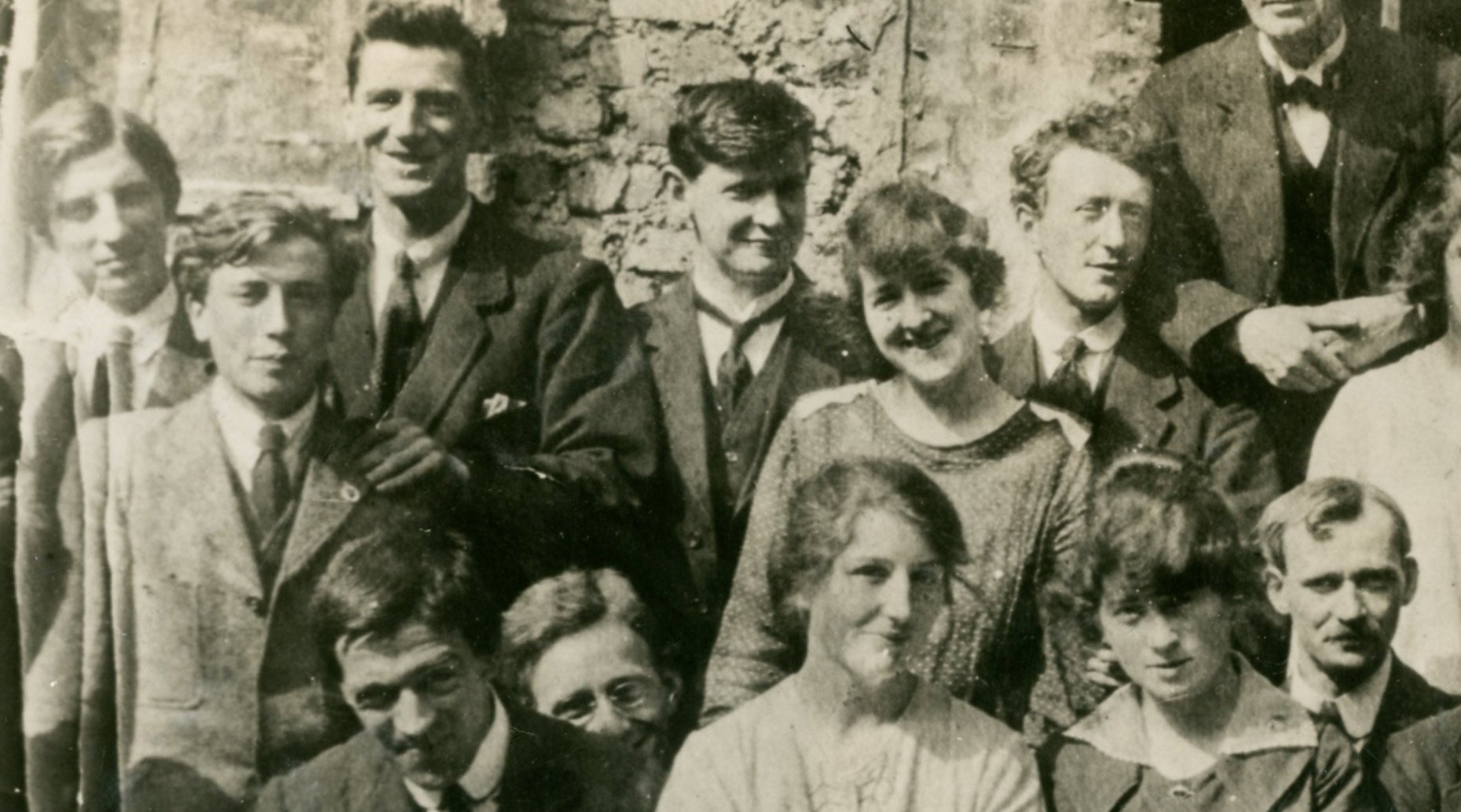 Michael Collins (centre) pictured with other members of the Sinn Féin staff in 1918