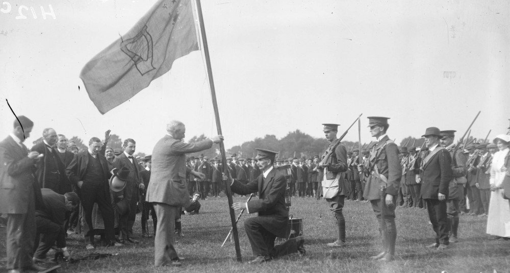 Redmond urges Irish Volunteers to join the British Army