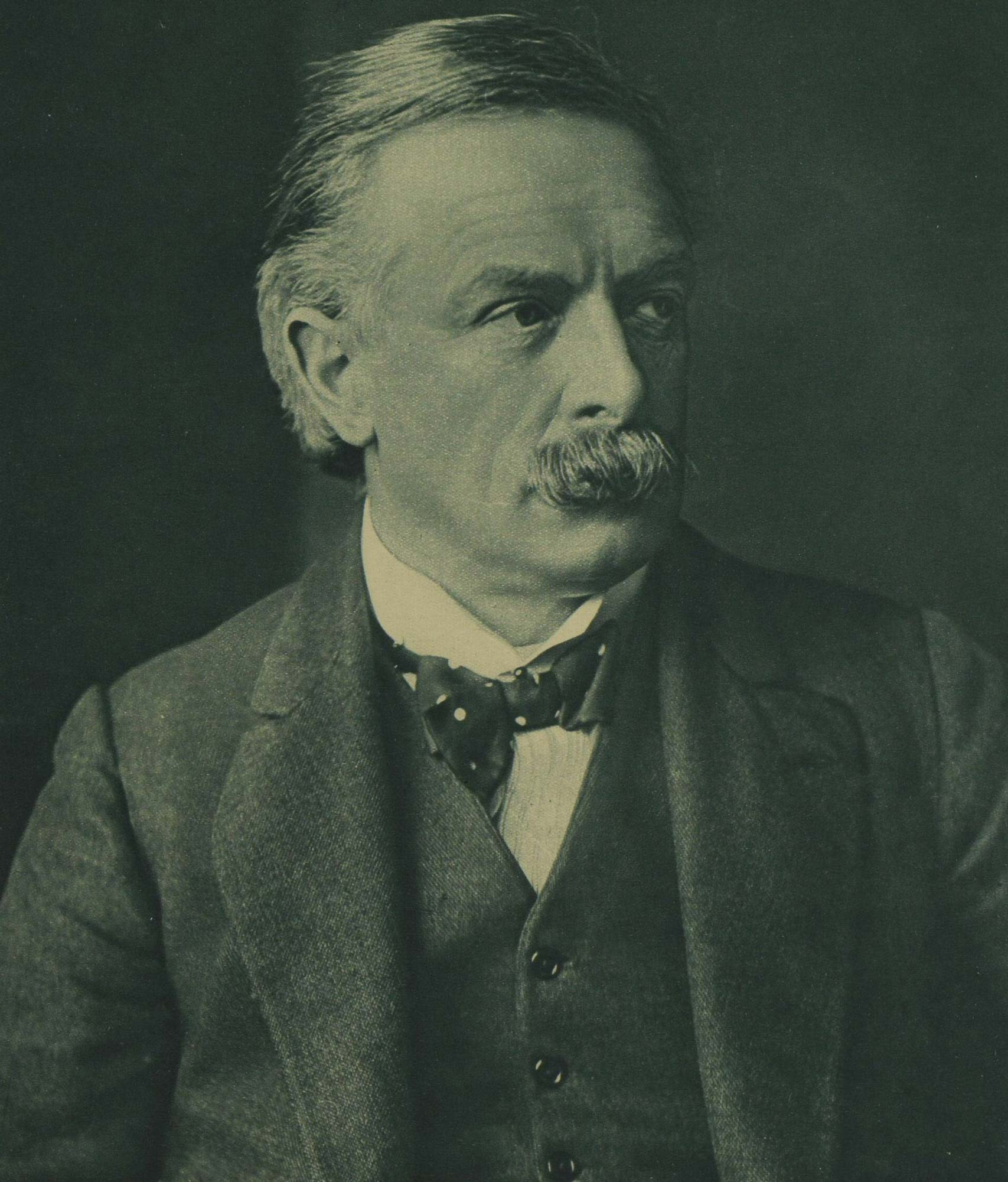 Photograph of David Lloyd George becomes new Prime Minister