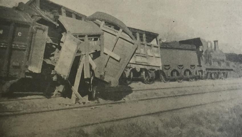 Destruction-gallery-train-derailed-blanchardstown-irish-life-1916-booklet